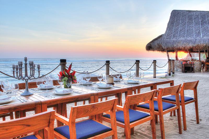 beach clubs Bali - Sundays Beach Club Bali
