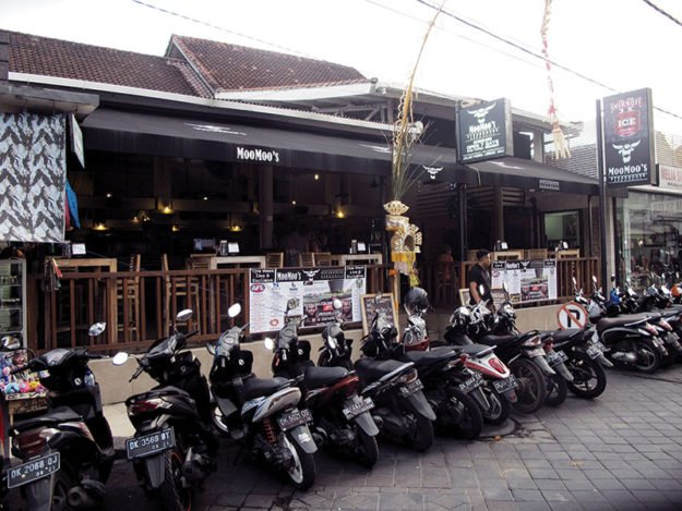 Moo Moo's Steakhouse Bar & Grill - Legian