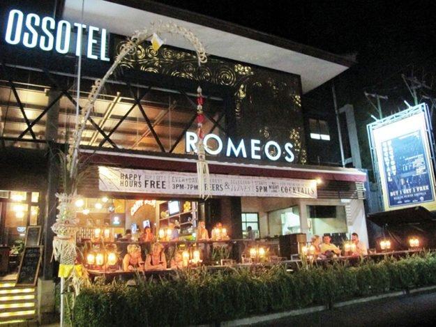 Romeos Bar & Grillery - Legian