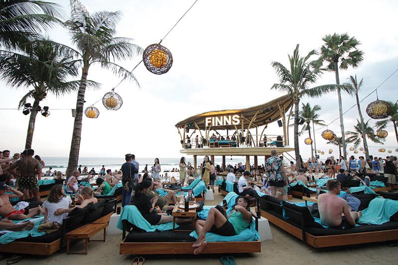 finns-beach-club-1